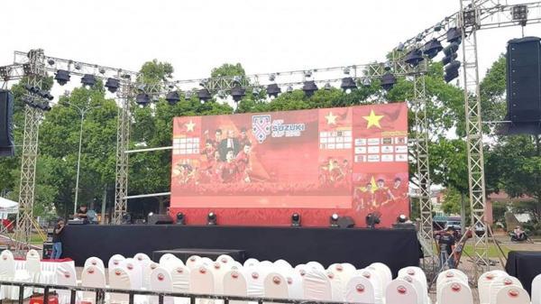HOT: Ngày mai Đắk Lắk lắp đặt màn hình khổng lồ ngay chảo lửa QUẢNG TRƯỜNG 10/3 để cổ vũ ĐT Việt Nam