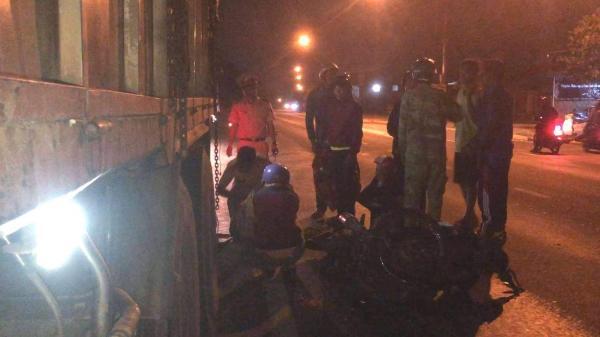 Đắk Lắk: Va chạm kinh hoàng với xe tải, nam thanh niên trẻ t.ử vo.ng dưới gầm xe