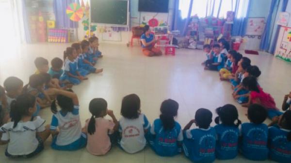 Đắk Lắk:Các phụ huynh đau đầu, mệt mỏi vì con trẻ phải ở nhà do trường thiếu giáo viên trầm trọng