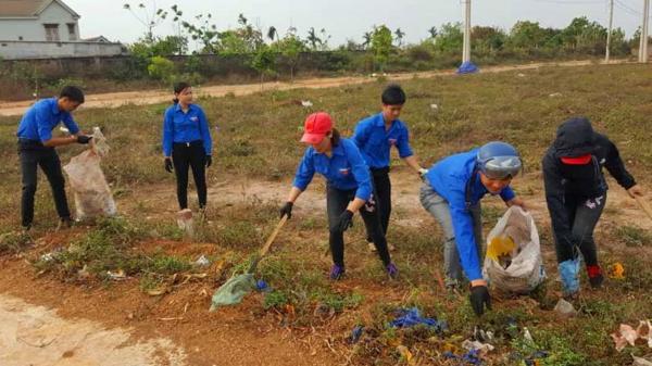 """Thử thách dọn rác"""": Từ trào lưu """"ảo"""" đi ra đời sống được các bạn trẻ Đắk Lắk rần rần theo gương"""