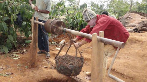 Đắk Lắk: Hơn 2.200 hộ dân khổ sở vì thiếu nước sinh hoạt, tưới tiêu