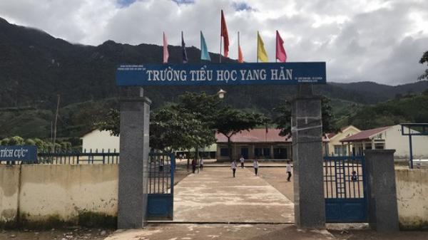 Đắk Lắk: Cách chức hiệu trưởng bớt xén tiền hỗ trợ học sinh nghèo