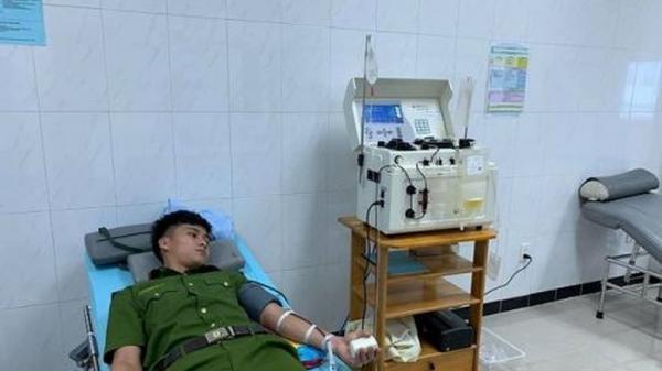Đắk Lắk: Phát hiện dân cầu cứu trên Facebook, 30 công an tình nguyện hiến máu cứu người