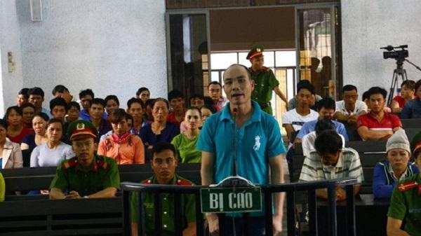 Đắk Lắk: Xông vào nhà đánh vợ, chém chồng, bị đâm tử vong