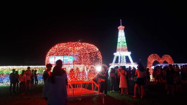 Đắk Lắk mình ơi, lên lịch chuẩn bị tưng bừng với lễ hội ánh sáng Buôn Mê Thuột với hàng triệu bóng đèn Led thôi nào!