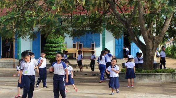 Ea Kar (Đắk Lắk) : Phụ huynh 'choáng' với các khoản đóng góp