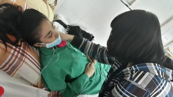 Thiếu nữ 19 tuổi Tây Nguyên bị bệnh nằm chờ chết vì không có tiền, không người thân