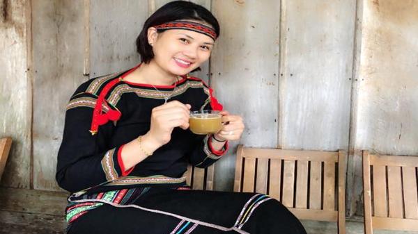 Hoa khôi Kim Huệ biến hóa thành cô gái Tây Nguyên xinh đẹp