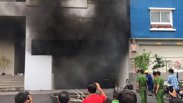 [NÓNG]: Cháy lại tại chung cư Carina vào trưa nay