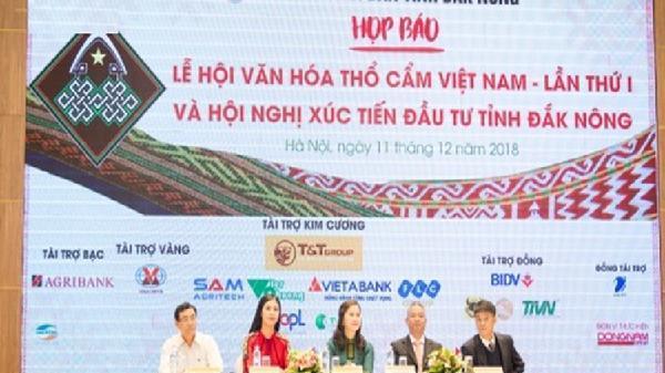 Lễ hội văn hóa thổ cẩm Việt Nam lần thứ I năm 2018