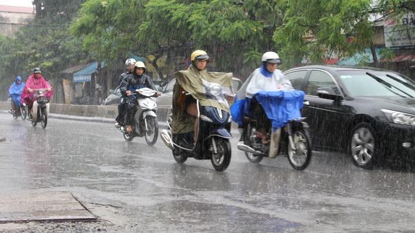 Dự báo thời tiết hôm nay (31/10): Ảnh hưởng áp thấp, Trung và Nam bộ có mưa