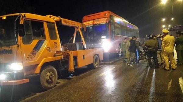 Xe khách Phương Trang va chạm với xe máy, 2 người tử vong