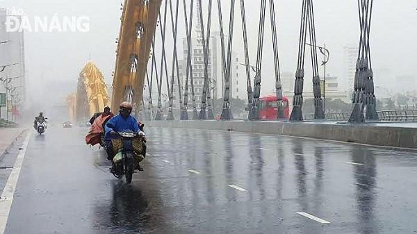 Tết Dương lịch, Đà Nẵng mưa rải rác, trời lạnh