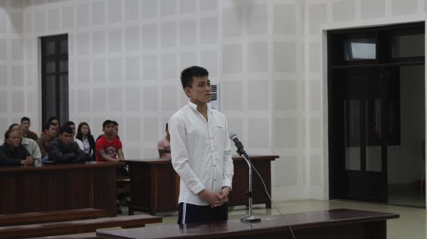 Đà Nẵng: Ghen tuông, nam thanh niên tạt xăng đốt người yêu trong phòng trọ