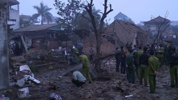 Nổ kinh hoàng lúc rạng sáng khiến 2 cháu bé tử vong, nhiều ngôi nhà bị san phẳng