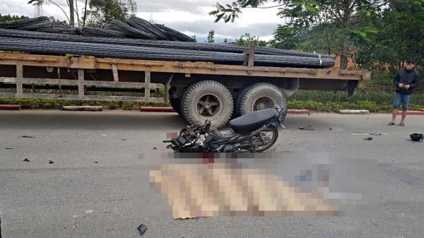 Đà Nẵng: Trên đường đi làm thêm, nữ sinh 21 tuổi chết thảm dưới gầm xe đầu kéo