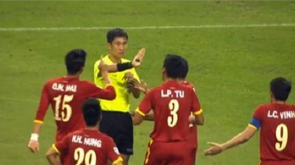 Trọng tài Trung Quốc từng thổi phạt đền oan Việt Nam sẽ bắt trận chung kết U23