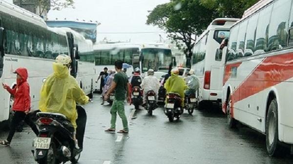 Đà Nẵng: Phân luồng xe du lịch cỡ lớn vào trung tâm thành phố giờ cao điểm