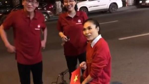 Mỹ Tâm bị 'quây' giữa Đà Nẵng khi đang đi bão chúc mừng U23 bằng 'siêu xe'
