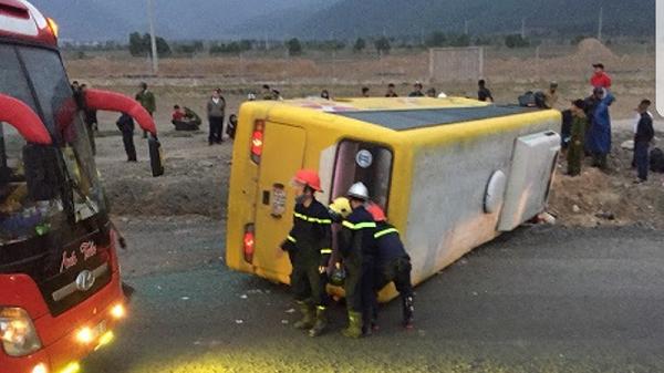 Đà Nẵng: Lật xe khách lúc rạng sáng 27 Tết, ít nhất 2 người tử vong,11 người bị thương