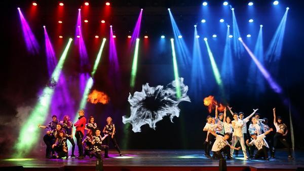"""Dàn sao K-Pop sắp """"đốt cháy"""" sân khấu Đà Nẵng"""