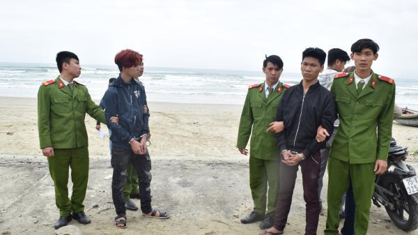 Bắt 2 thanh niên dùng mã tấu cướp tài sản của đôi nam nữ đang tâm sự trên bãi biển