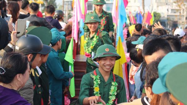 Hơn 1.100 thanh niên Đà Nẵng lên đường nhập ngũ