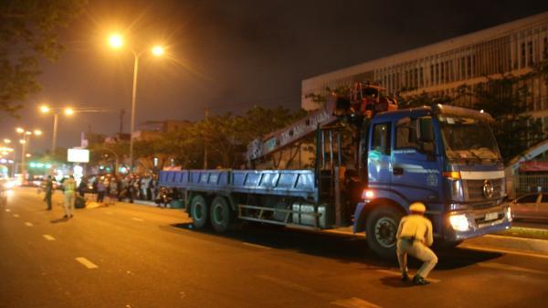 Đà Nẵng: Xe cẩu va chạm với xe máy, nữ sinh viên đại học chết thảm