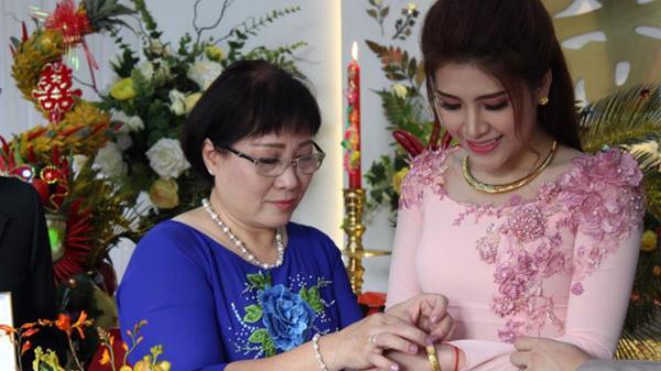 Lễ thành hôn ấm cúng của Tố Ny The Voice và chồng phi công ở Đà Nẵng