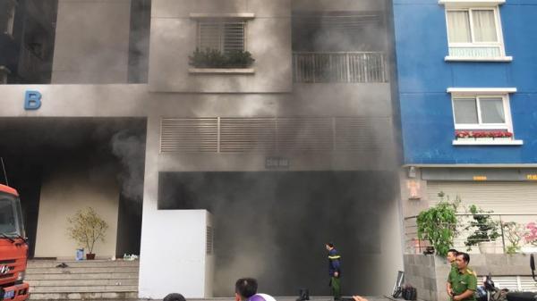 Nóng: Chung cư Carina Plaza bùng cháy lại sau vụ hỏa hoạn làm 13 người tử vong