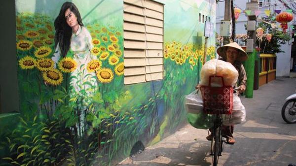 Đà Nẵng: Hoàn thành xóm bích họa mừng ngày Giải phóng thành phố