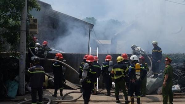 Đà Nẵng: Cháy xưởng gỗ có nhiều công nhân đang sản xuất
