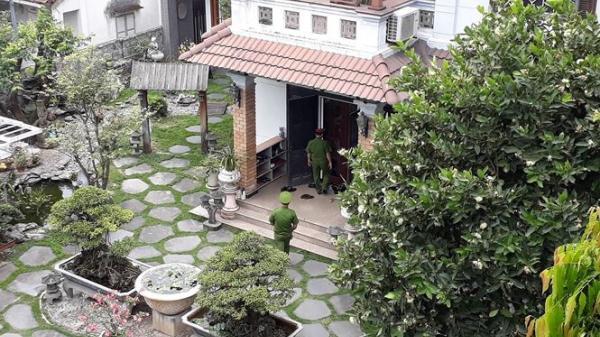 NÓNG: Công an khám xét nhà riêng 2 cựu Chủ tịch TP Đà Nẵng vừa bị khởi tố