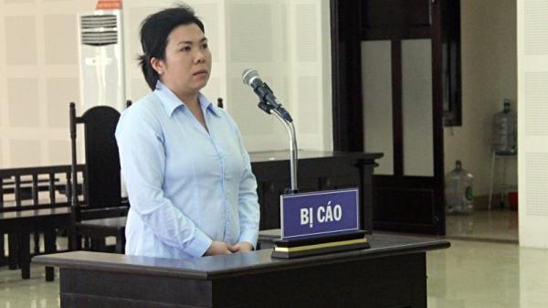 Đà Nẵng: Không bán 1 cái bánh xèo cho khách, chủ quán bị cô gái đâm suýt chết