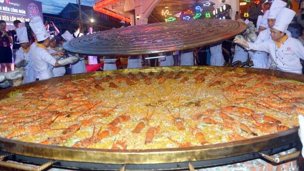 Xác lập kỷ lục bánh Xèo lớn nhất Việt Nam đúc tại Đà Nẵng