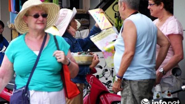 Đà Nẵng: Trích xuất camera quan sát để xử lý đeo bám, chèo kéo du khách