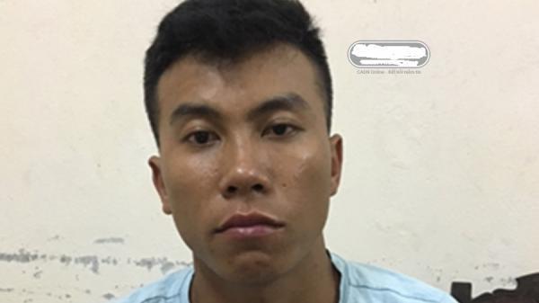"""Đà Nẵng: Bắt nam thanh niên ra bờ kè """"chơi"""" ma túy"""