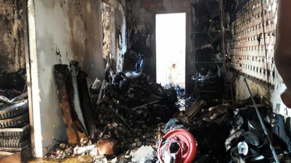 Đà Nẵng: Kho hàng trong chùa bốc cháy dữ dội, người dân phát hoảng