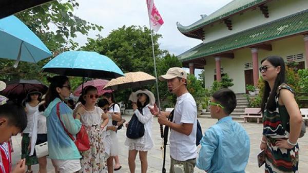 Đà Nẵng: Sắp khởi tố đường dây làm thẻ hướng dẫn viên du lịch giả!
