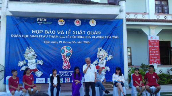 """4 """"cầu thủ"""" xứ Huế mồ côi cha mẹ tại Trung tâm bảo trợ trẻ em phường Xuân Phú sẽ đại diện Việt Nam tham dự lễ hội bên lề World Cup 2018"""