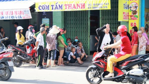 Nha Trang: Thua độ bóng đá, gã chồng dùng ma túy rồi đâm chết vợ
