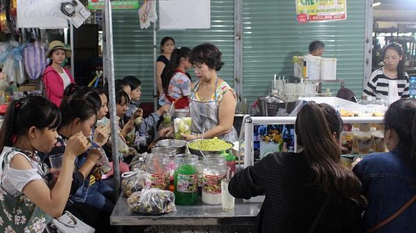 Quán kem bơ nổi tiếng nhất Đà Nẵng, 25 năm qua khách phải chen chân mới có chỗ ngồi