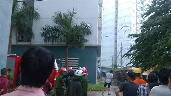 Nổ lớn ở tầng 12, hàng trăm người dân chung cư nháo nhào bỏ chạy