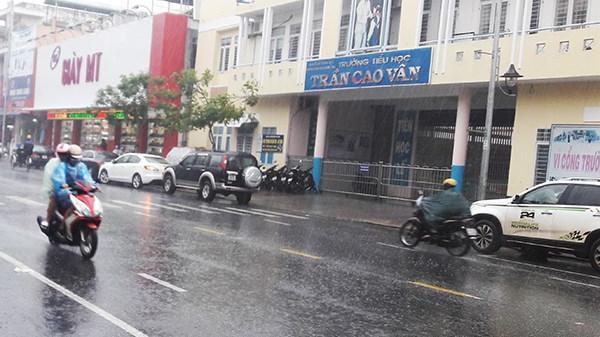 Đà Nẵng: Hiệu trưởng cho học sinh nghỉ học tránh bão số 10 khi cần thiết