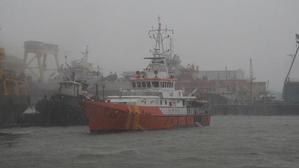 Cứu 11 ngư dân Đà Nẵng, Quảng Nam bị nạn khi tránh bão số 10