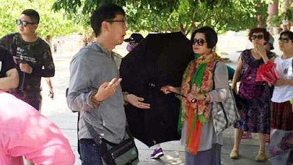 Hướng dẫn viên Trung Quốc 'tung hoành' tại Đà Nẵng