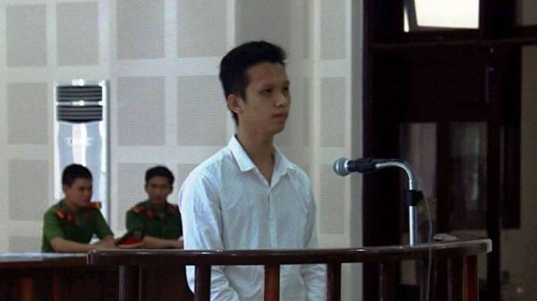 """""""Giận cá chém thớt"""", nam thanh niên 23 tuổi ở Đà Nẵng lãnh án 8 năm tù"""