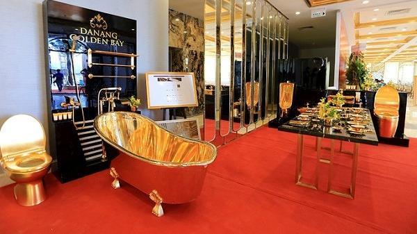 Tới Đà Nẵng, choáng ngợp trước Khách sạn có bể bơi, nhà vệ sinh và... bát đĩa đều dát vàng 24K