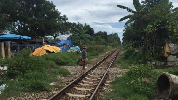 Đà Nẵng: Băng qua đường ray, cô gái trẻ bị tàu hỏa tông tử vong