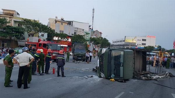 Xe chở cảnh sát gặp TNGT, 2 chiến sĩ trọng thương ở Đà Nẵng